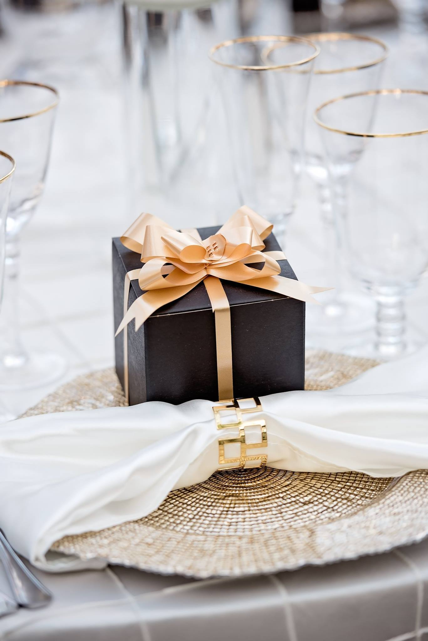 black and gold wedding gifts