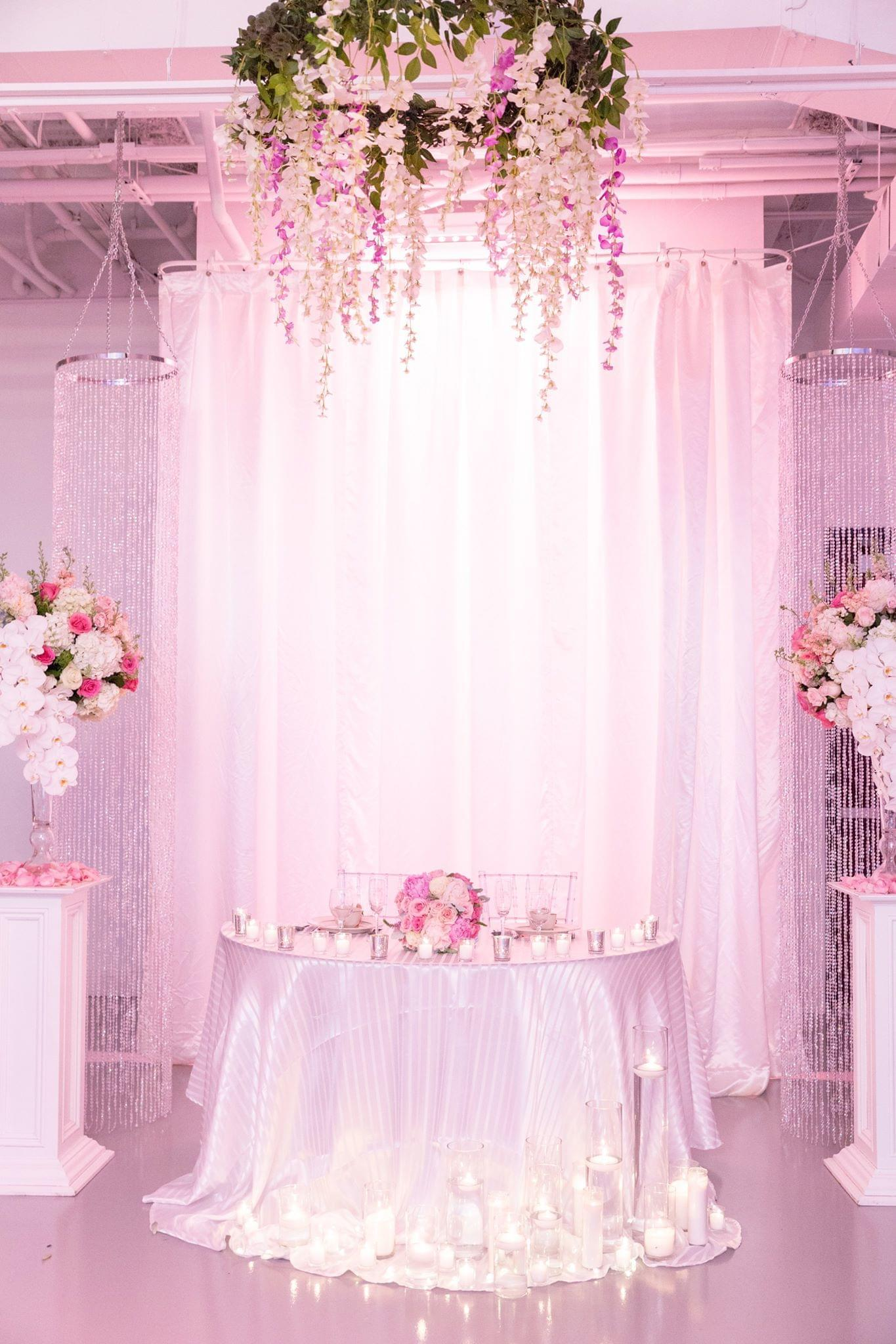 glam flower couples table