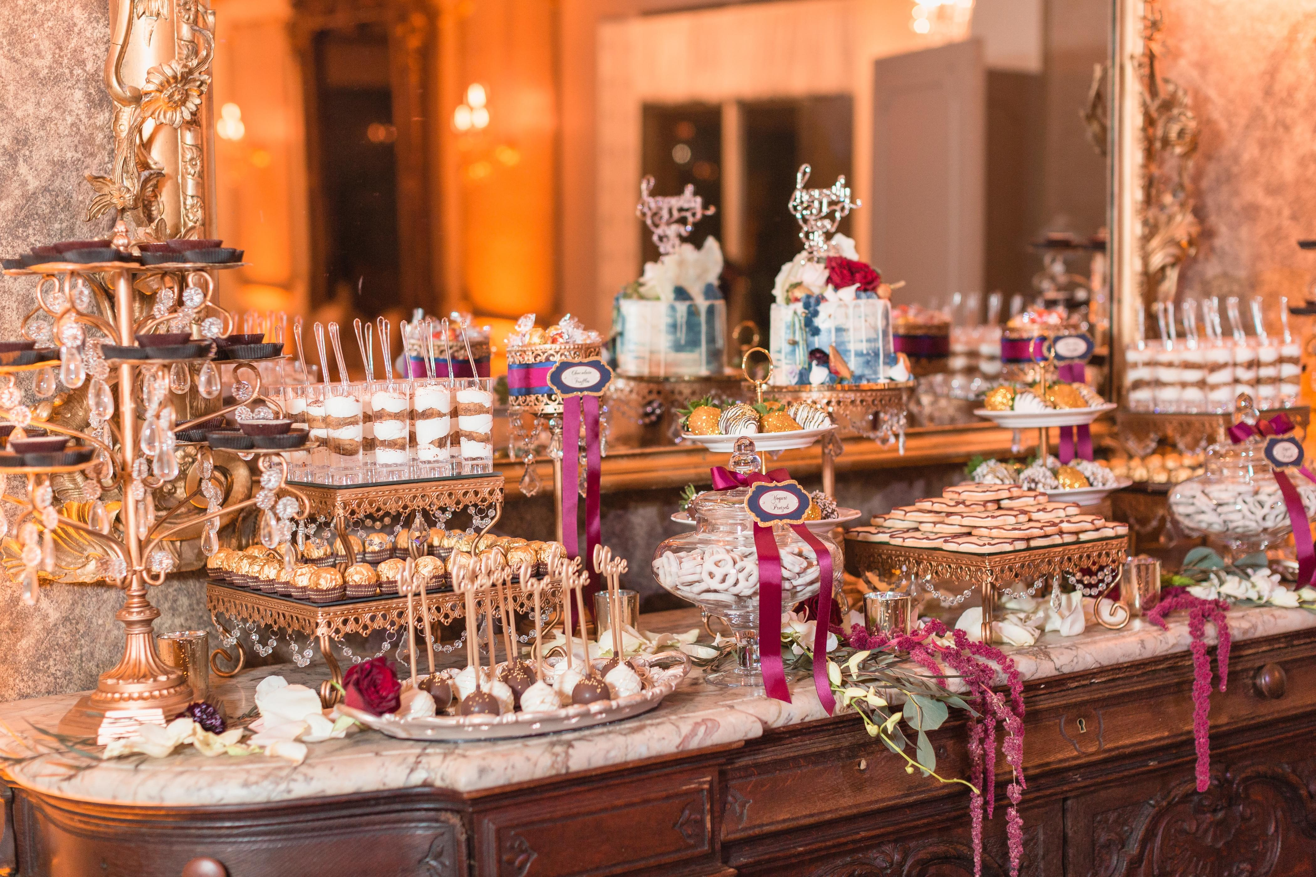 wedding dessert candy table